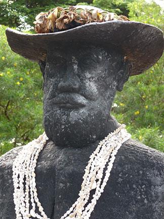 damien-statue